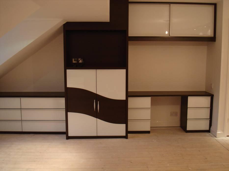 Chocolate wave sliding wardrobe doors Sliding Wardrobes World Ltd BedroomWardrobes & closets