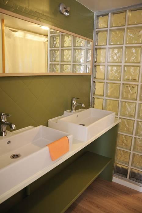 Le 16 - Salle de bain RDC Maisons modernes par Aurélie Ronfaut dite Thi-Lùu Moderne