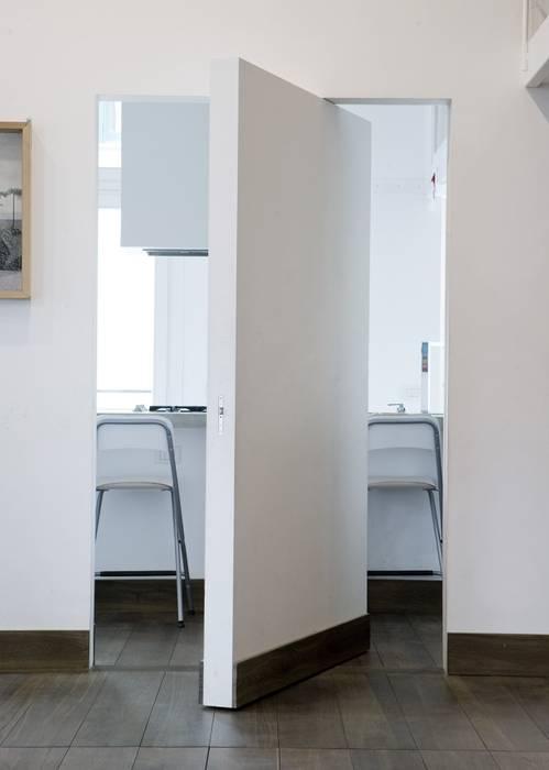 Cocinas de estilo  de na3 - studio di architettura