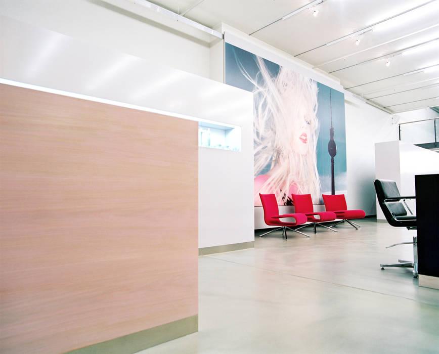 Shift Friseure shift friseure berlin: ladenflächen von c95 architekten | homify
