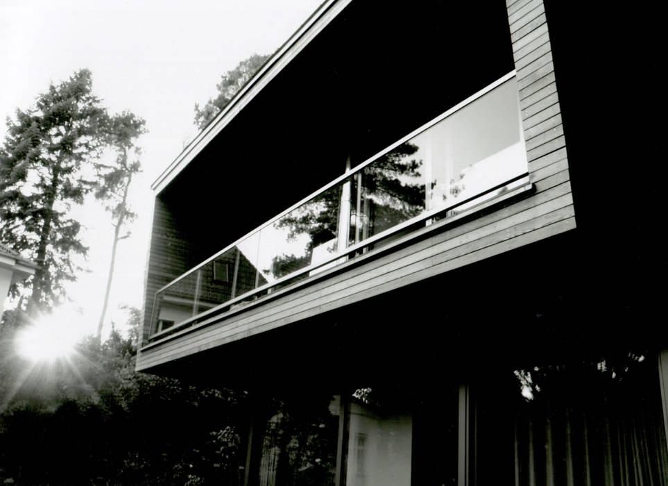 Modern Houses by IOX Architekten GmbH Modern