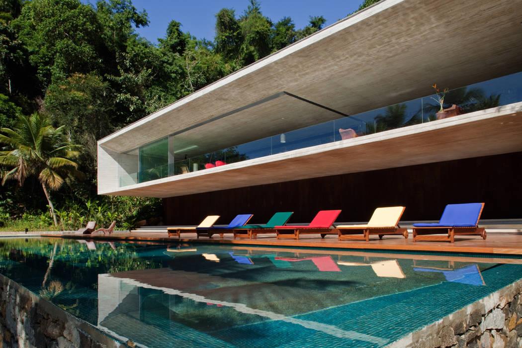 Casas estilo moderno: ideas, arquitectura e imágenes de Studio MK27 Moderno
