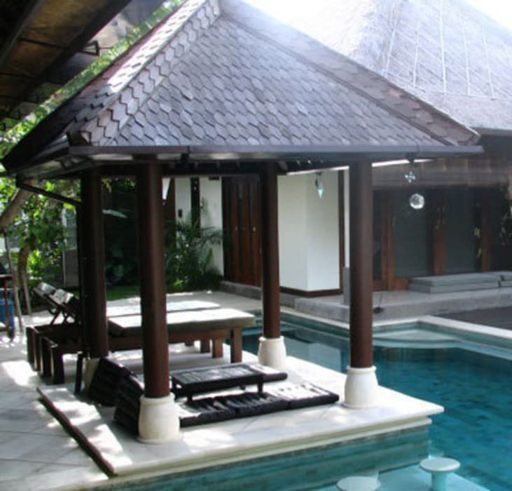 gazebo piscina Jardines de estilo tropical de comprar en bali Tropical Madera Acabado en madera