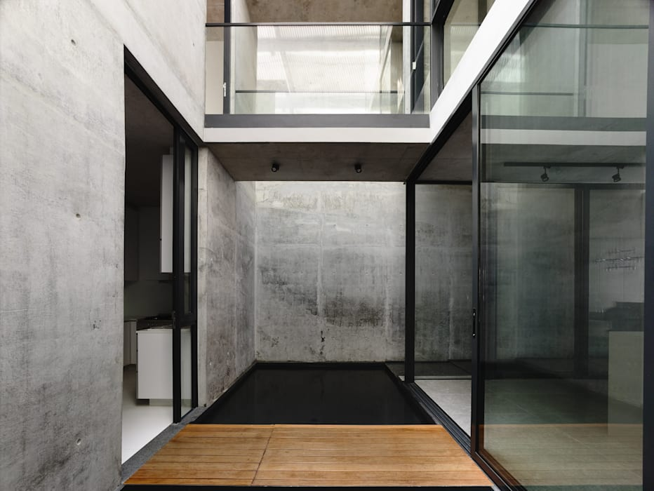 Well of Light Modern corridor, hallway & stairs by HYLA Architects Modern