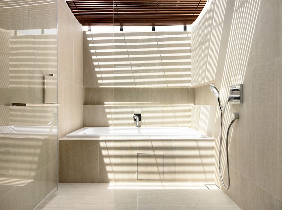 Bathroom by HYLA Architects, Modern