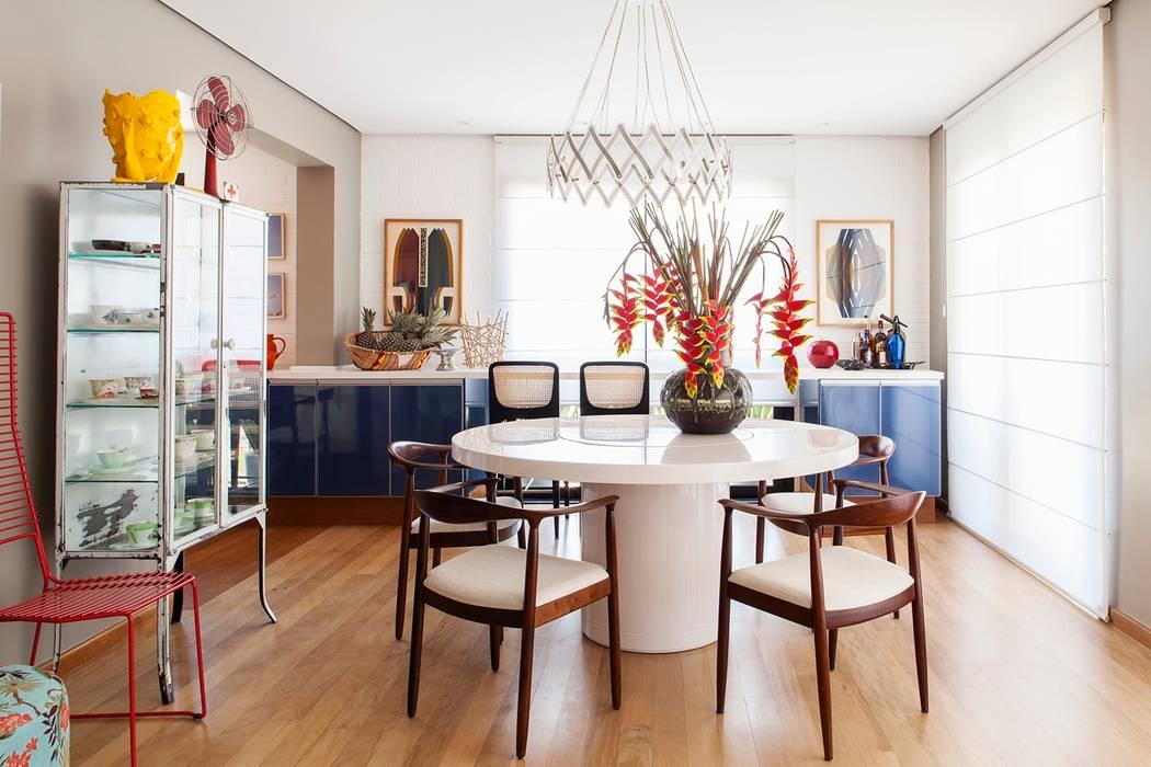 Salle à manger de style  par Mauricio Arruda Design,