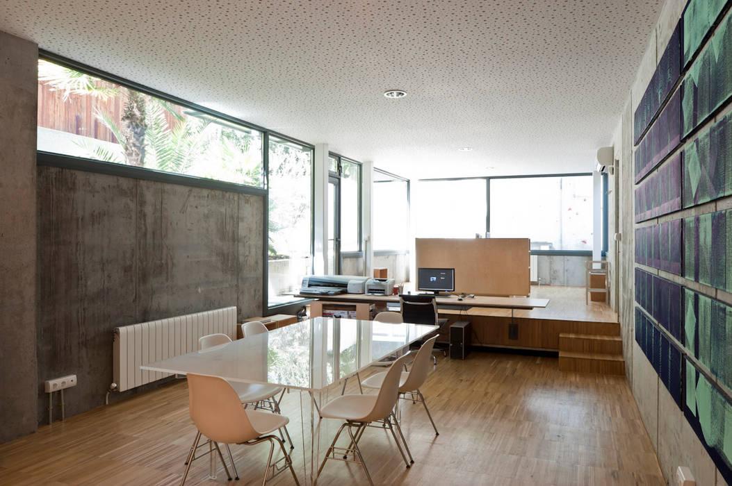 sala de reuniones, estudio Comedores de estilo minimalista de hollegha arquitectos Minimalista