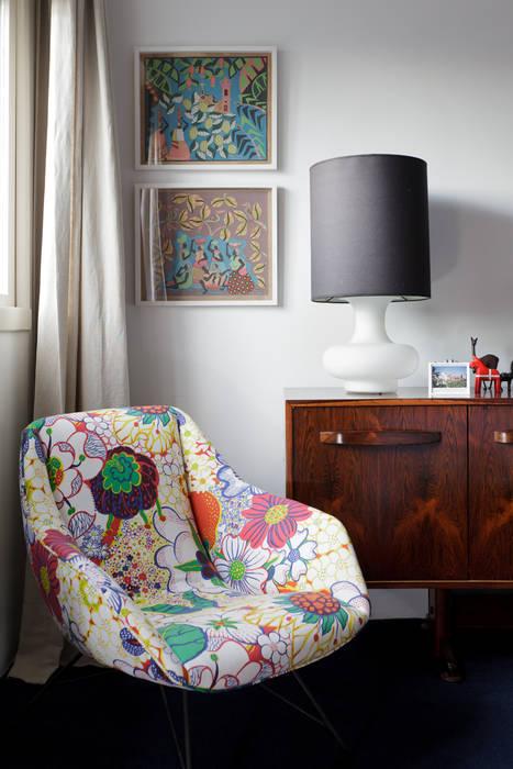 Mauricio Arruda Design Eclectic style bedroom
