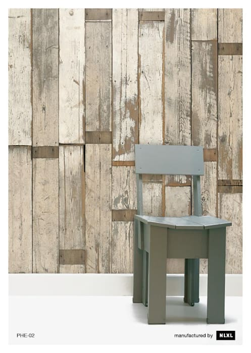 Scrapwood Wallpaper PHE-02 de ROOMSERVICE DESIGN GALLERY Escandinavo