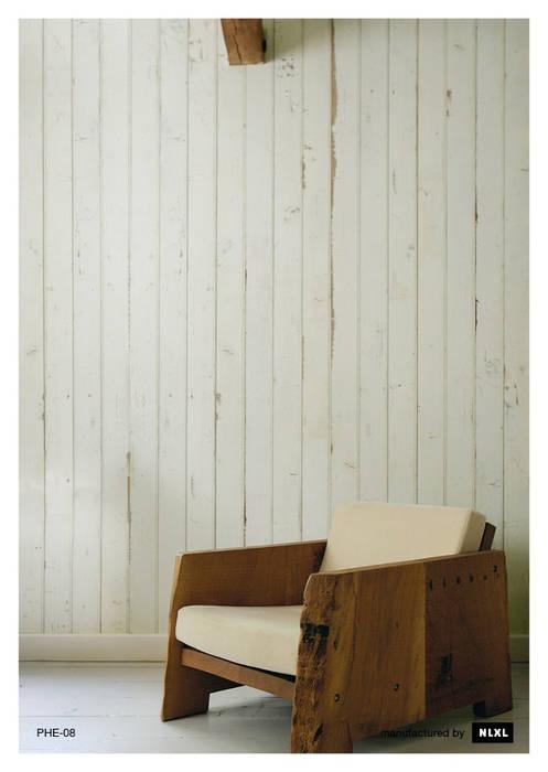 Scrapwood Wallpaper PHE-08 de ROOMSERVICE DESIGN GALLERY Escandinavo