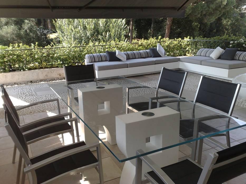 vista generale Balcone, Veranda & Terrazza in stile moderno di Fabio Valente Studio di architettura e urbanistica Moderno