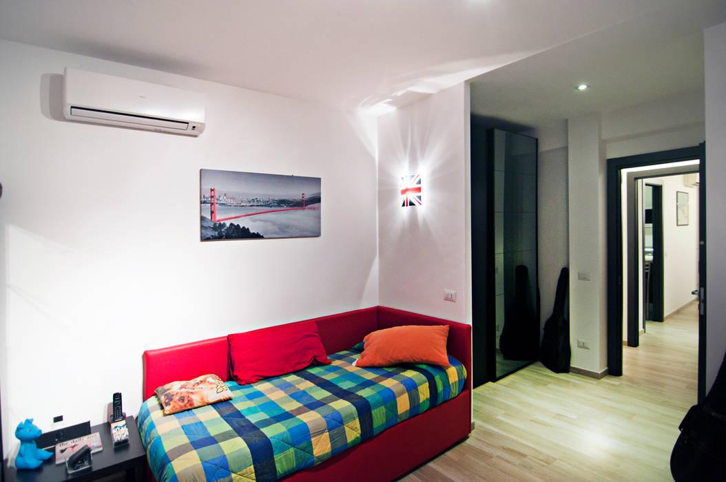MM flat in Rome: Case in stile  di Davide Coluzzi DAZ architect