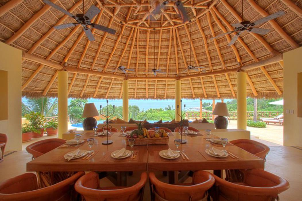 de estilo tropical por BR  ARQUITECTOS, Tropical