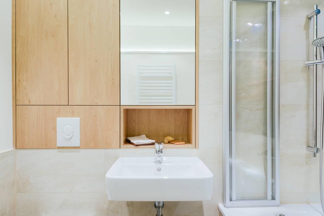 kleines Bad Moderne Badezimmer von raumdeuter GbR Modern