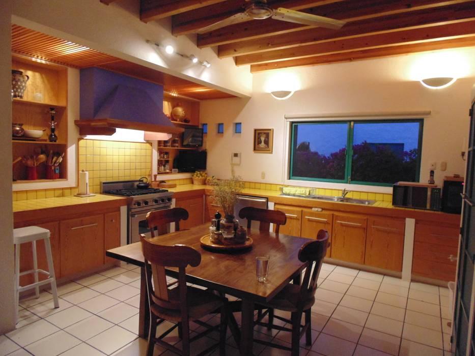 Cocinas de estilo rural de Taller Luis Esquinca Rural