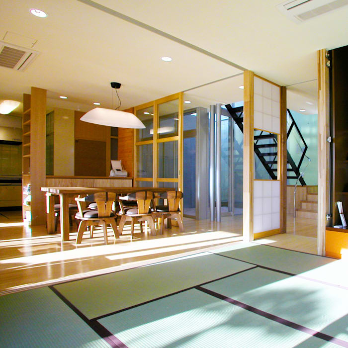 花壇の家: ユミラ建築設計室が手掛けたリビングです。,モダン