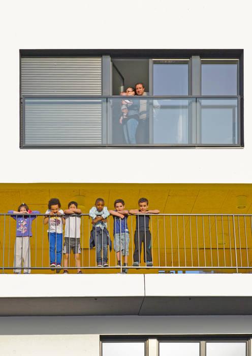 13_VUE FRONTALE FACADE - DETAIL:  de style  par sophie delhay architectes