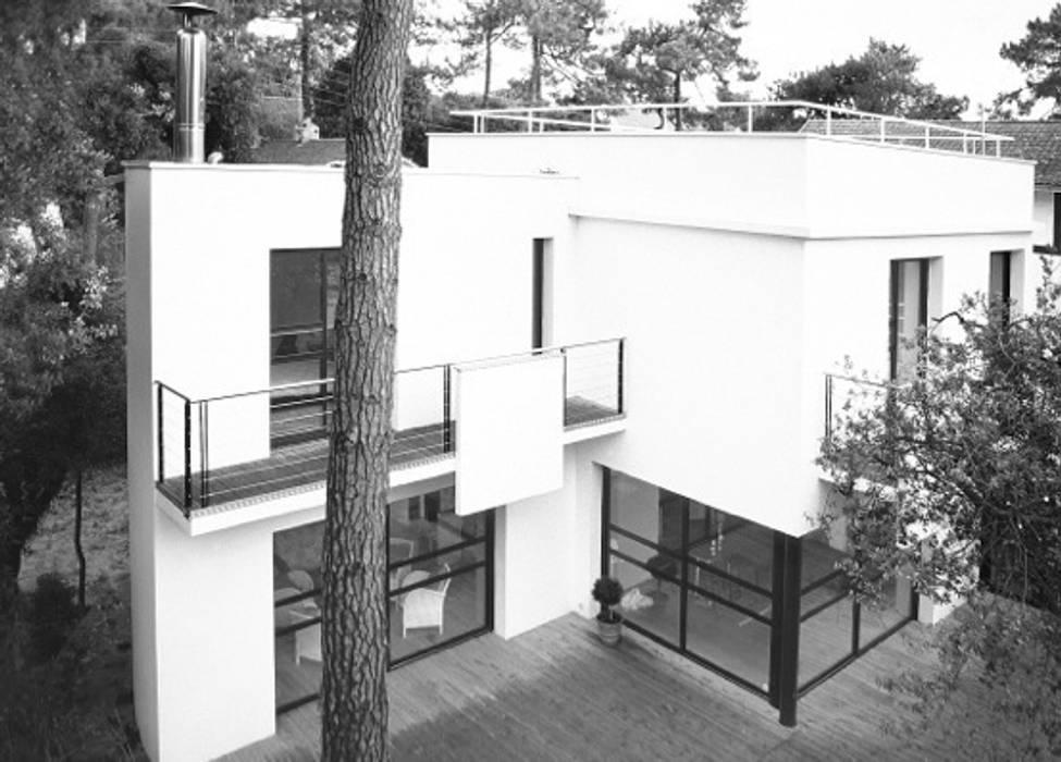 La maison de La Baule:  de style  par Pierre Vincent Architecte DPLG