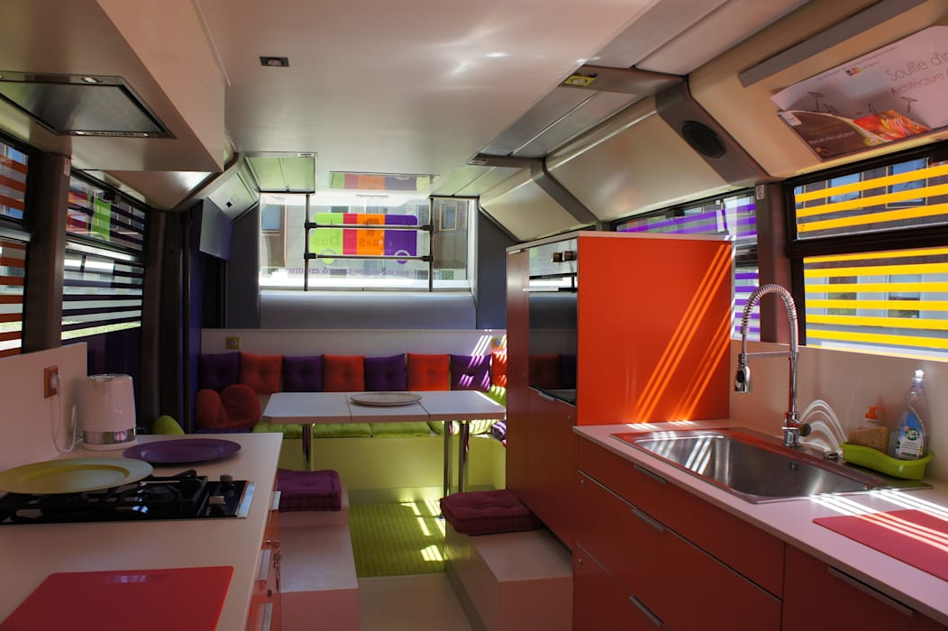 Toques et Bus: Centres commerciaux de style  par Souffle d'intérieur