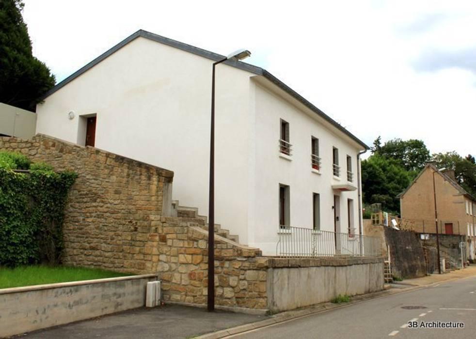Maison de village: Maisons de style de style Moderne par 3B Architecture
