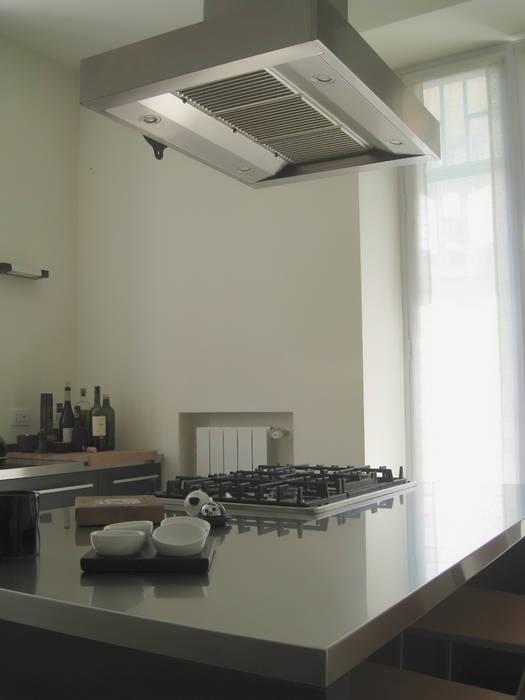 CUCINA: Case in stile in stile Moderno di M@G  Architettura&Design