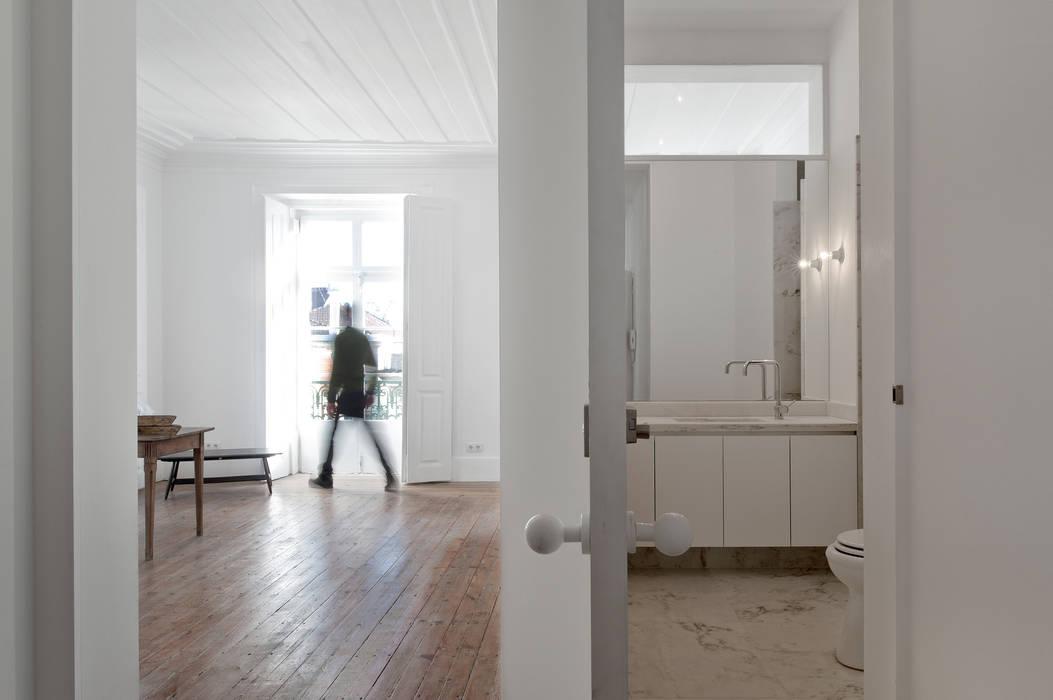 José Adrião Arquitectos Klassische Fenster & Türen