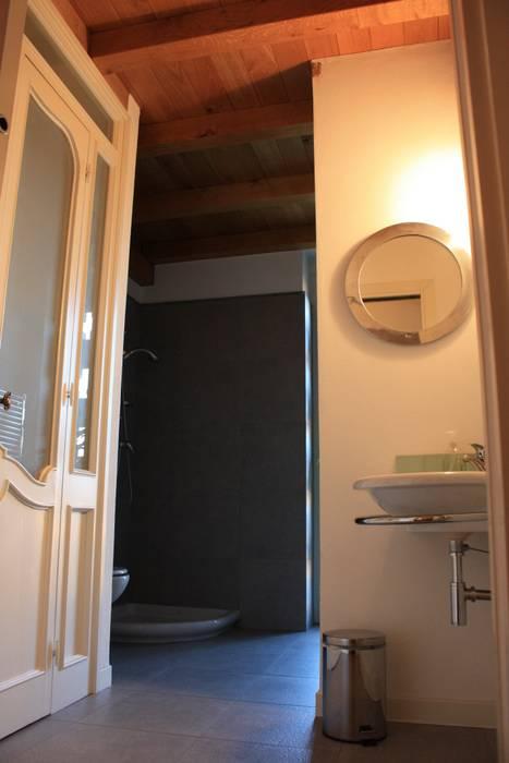 Bagno Bagno rurale di studio architetti milano como Rurale