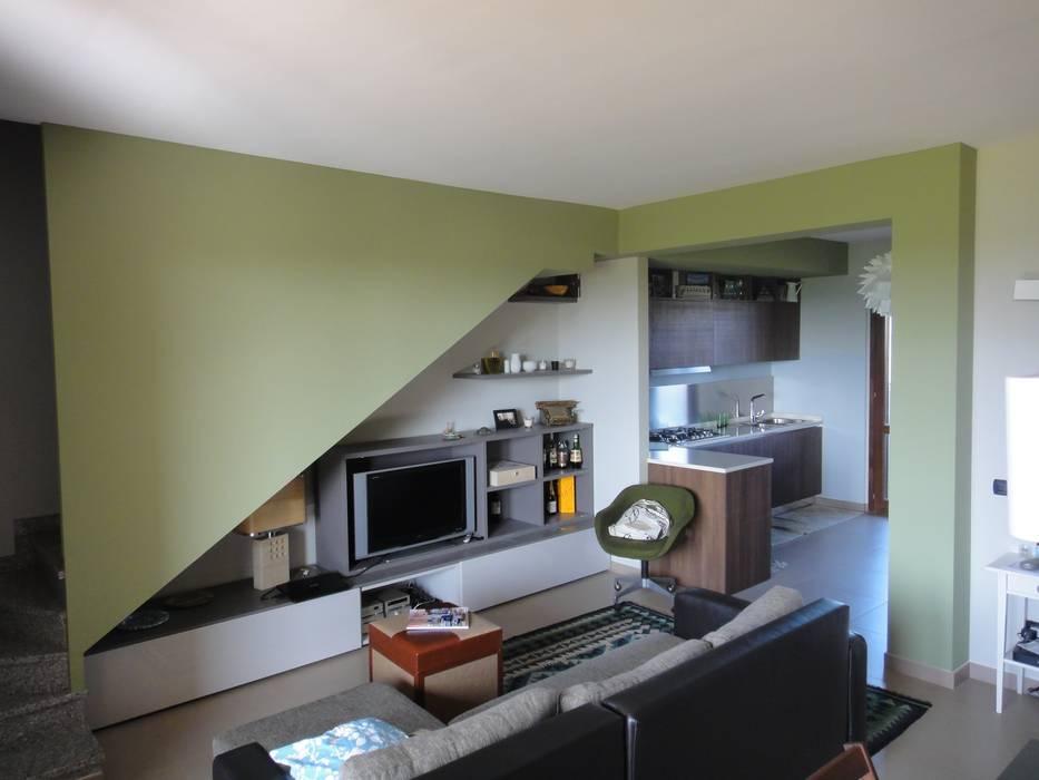 Soggiorno Cucina: Cucina in stile  di studionove architettura