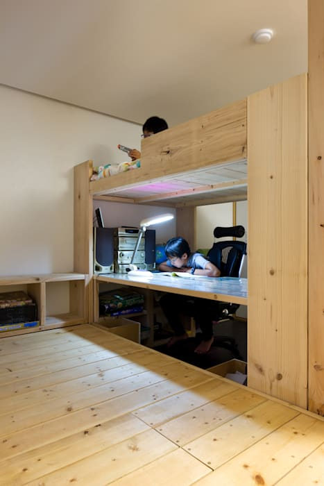 Dormitorios infantiles de estilo  de 무회건축연구소, Moderno