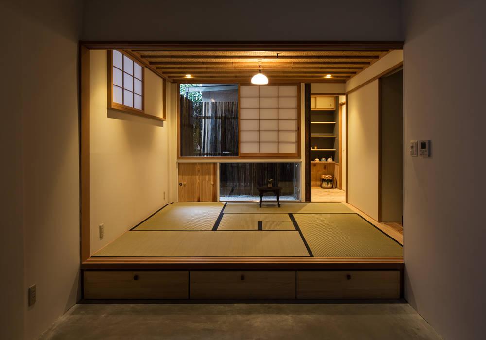 茶室(夕景) モダンな 家 の TOFU モダン