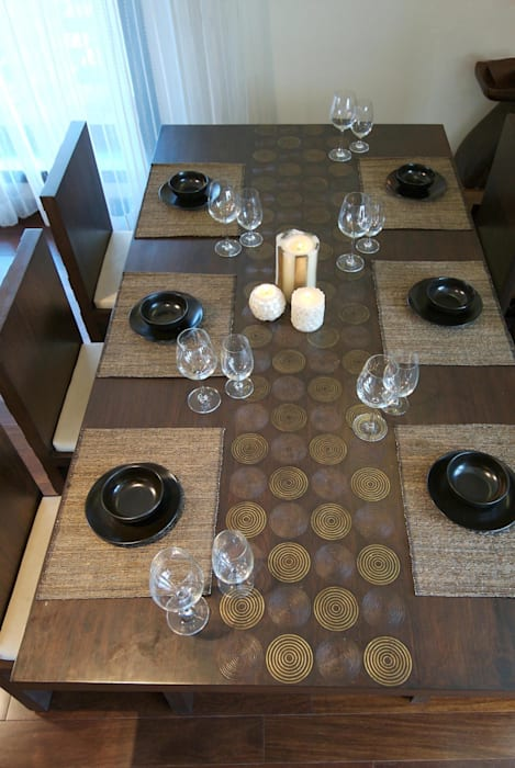 Dining Table Minimalist dining room by homify Minimalist