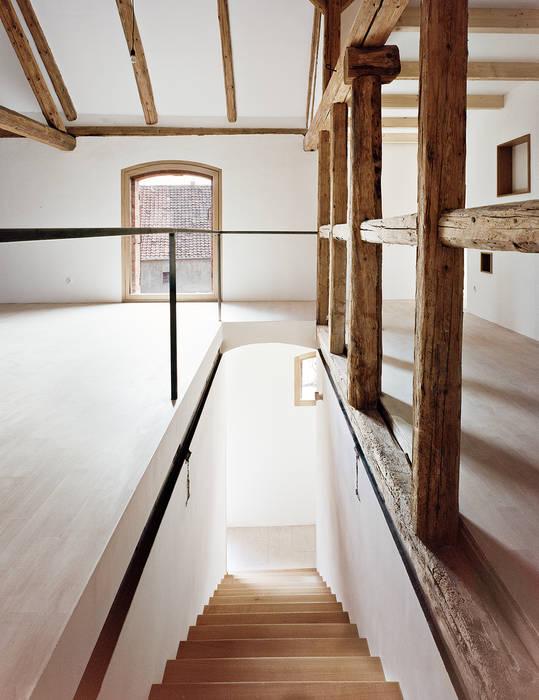 Corredores e halls de entrada  por JAN RÖSLER ARCHITEKTEN , Minimalista
