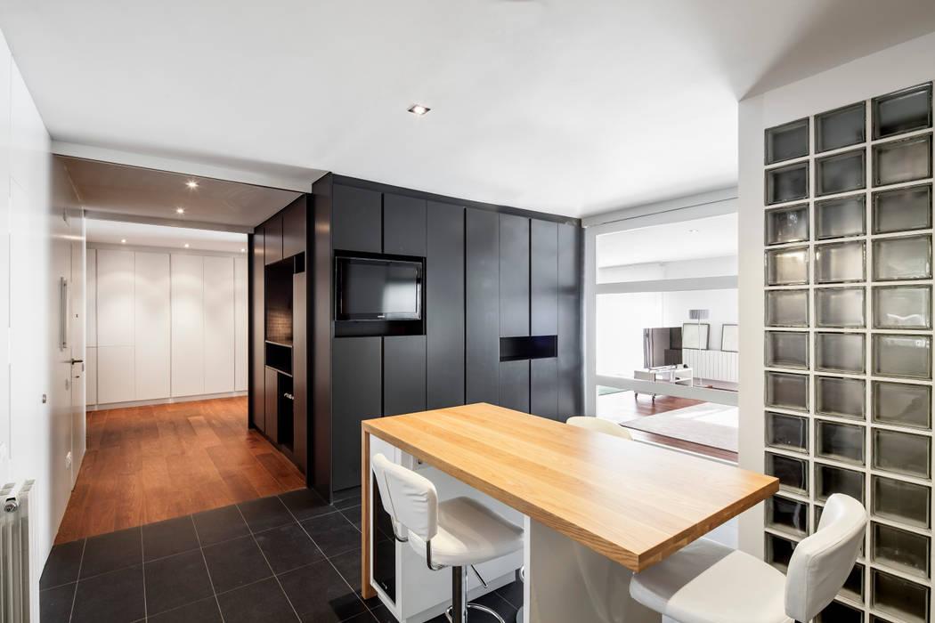 COMEDOR Alex Gasca, architects. Casas de estilo minimalista