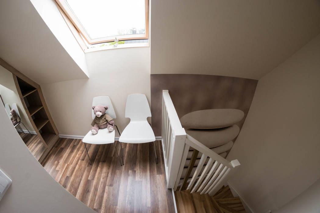 Domek - ziemia: styl , w kategorii Hotele zaprojektowany przez Ewa Weber - Pracownia Projektowa