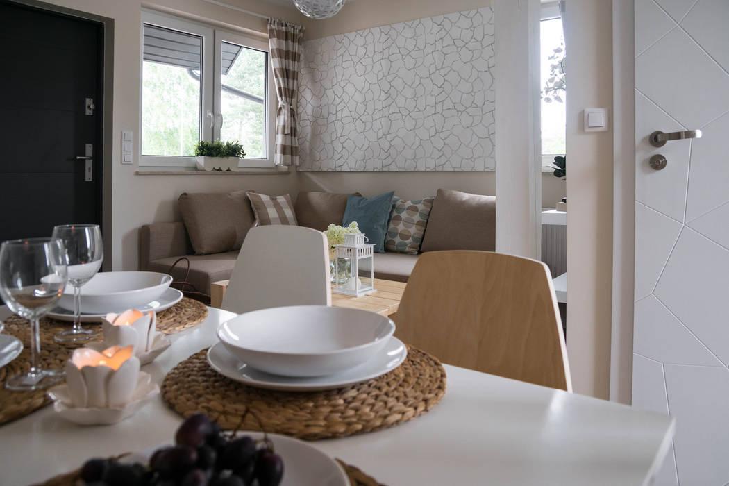 Domek - ziemia od Ewa Weber - Pracownia Projektowa Skandynawski