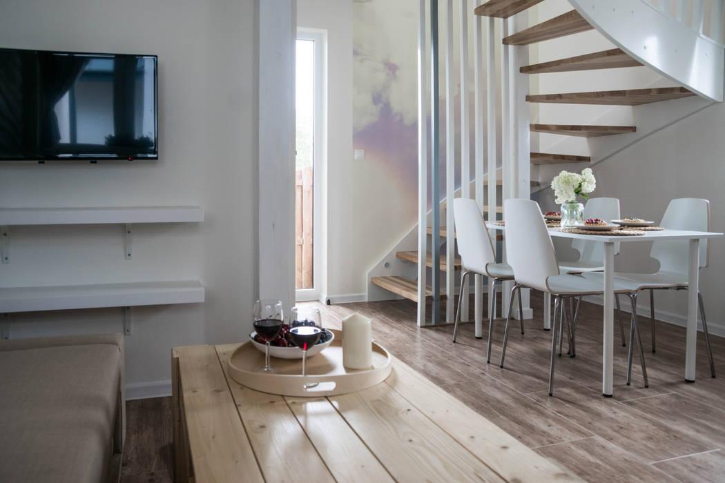 Domek - powietrze: styl , w kategorii Hotele zaprojektowany przez Ewa Weber - Pracownia Projektowa