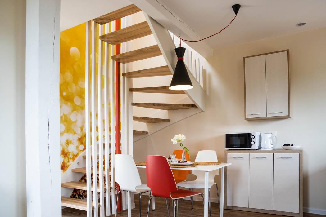 Domek - ogień: styl , w kategorii Hotele zaprojektowany przez Ewa Weber - Pracownia Projektowa
