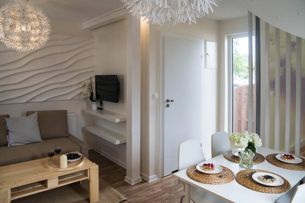 Domek - powietrze od Ewa Weber - Pracownia Projektowa Skandynawski