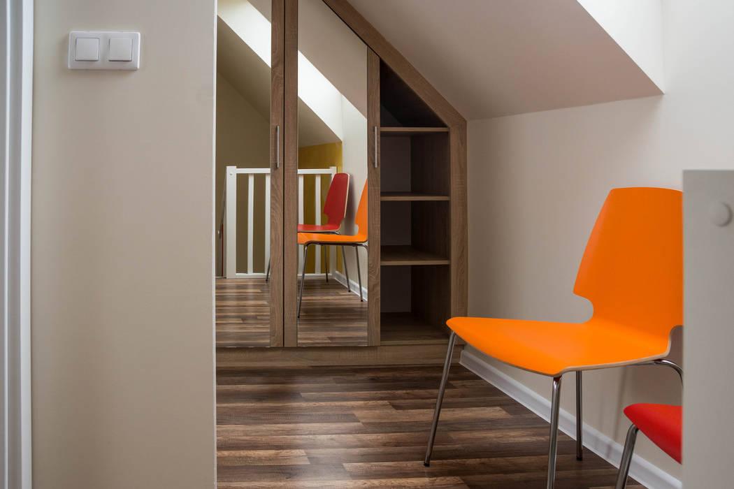 Domek - ogień: styl , w kategorii Hotele zaprojektowany przez Ewa Weber - Pracownia Projektowa,Skandynawski