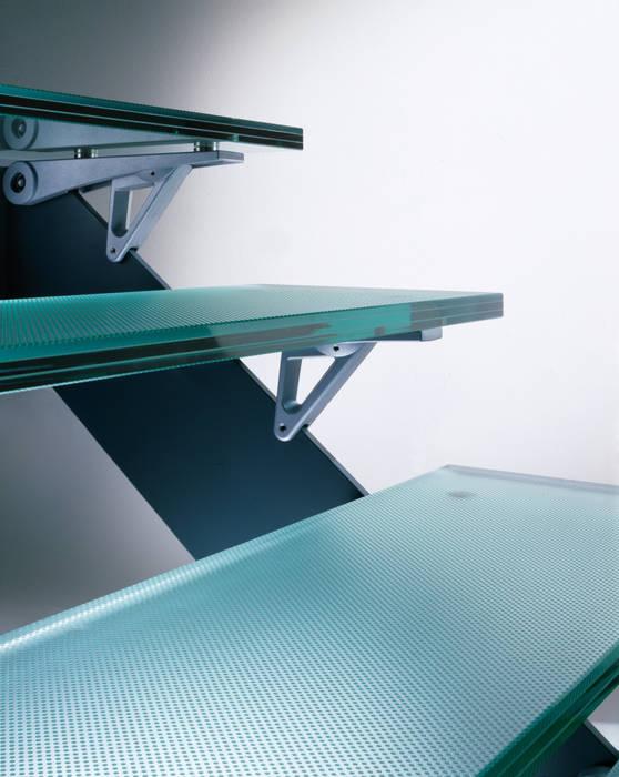 Gradini in vetro antiscivolo Vitrealspecchi Spa Ingresso, Corridoio & Scale in stile moderno