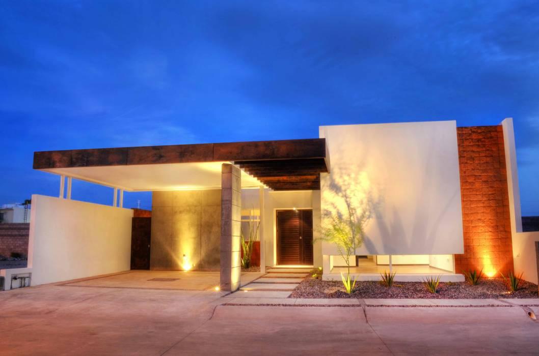 Residencia Los Santos :  de estilo  por TABB Architecture