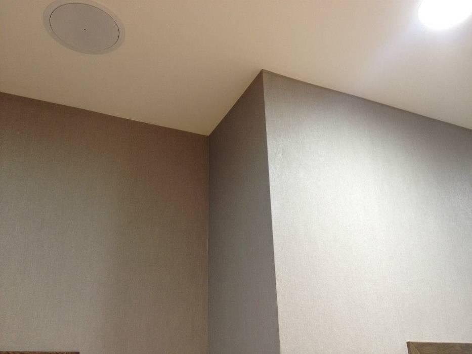 Revestimiento, Papel pintado Espacios comerciales de estilo moderno de Pinturas oliváN Moderno