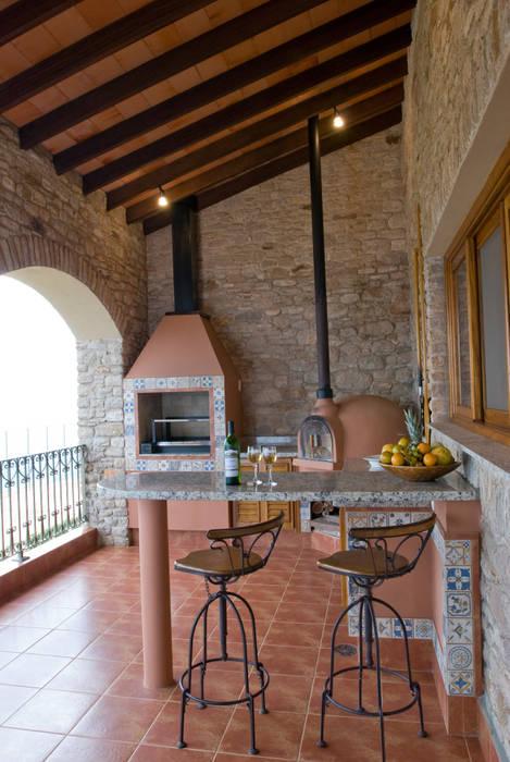 Serra Negra Cozinhas campestres por Tikkanen arquitetura Campestre