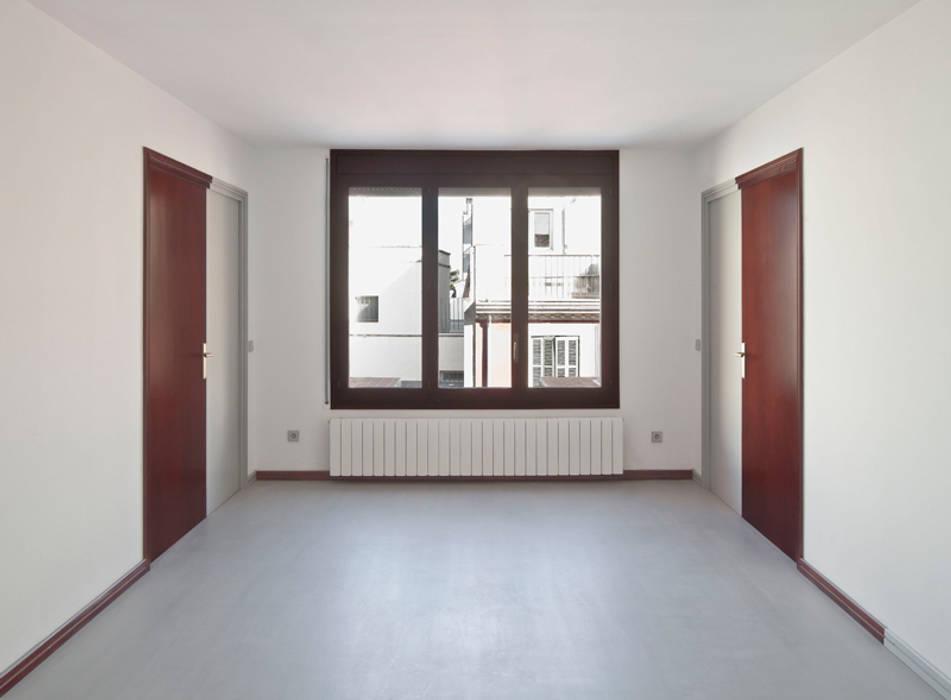 apartamento mercè vora Casas de estilo moderno