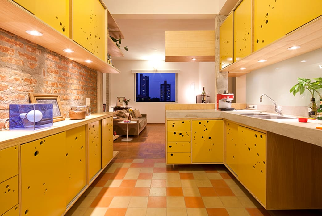 Kitchen by Zoom Urbanismo Arquitetura e Design,