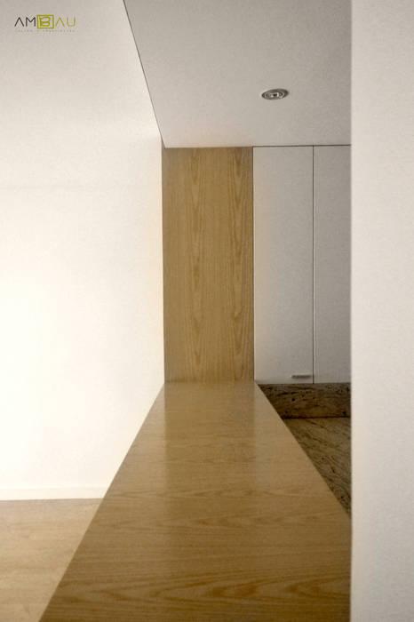 Skandinavische Häuser von amBau Gestion y Proyectos Skandinavisch