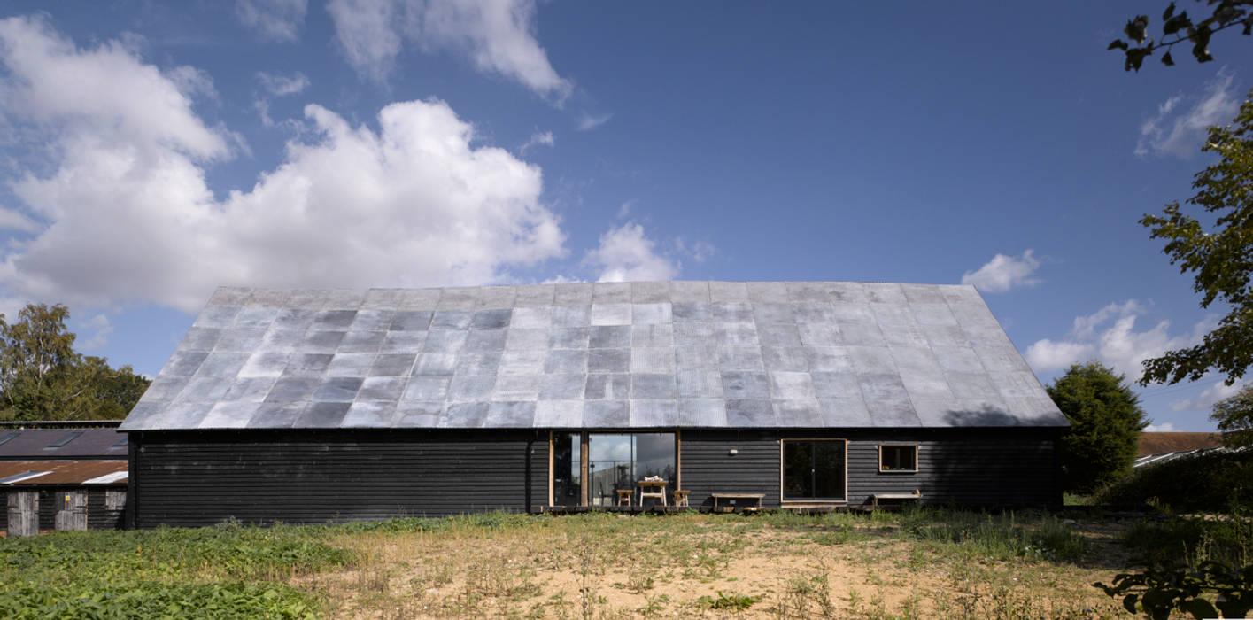 Feering Bury Farm Barn Industrial style houses by Hudson Architects Industrial