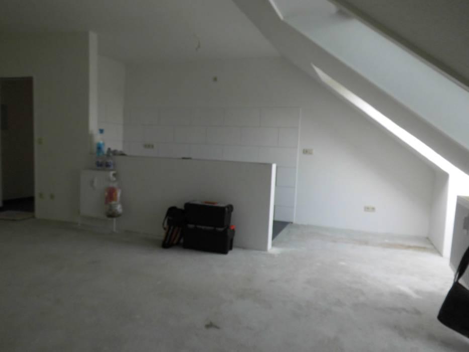 Wohn-/ Essbereich - vorher Industriale Esszimmer von raum² - wir machen wohnen Industrial