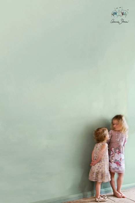 Wall Paint van Annie Sloan, kleur Duck Egg Blue:  Badkamer door Bij Sigrid