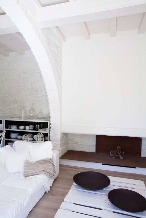 Rustico di Seravezza (Forte dei Marmi) Architetto Silvia Giacobazzi Soggiorno in stile rustico